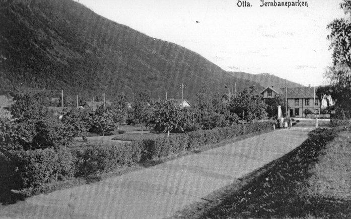 Jernbaneparken Otta i 1920-/1930-tallet.