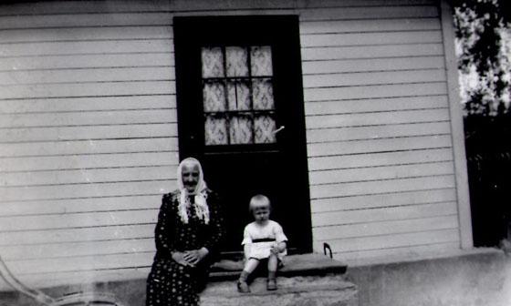 OLine Jostuen og Ruth Elise f. Killi