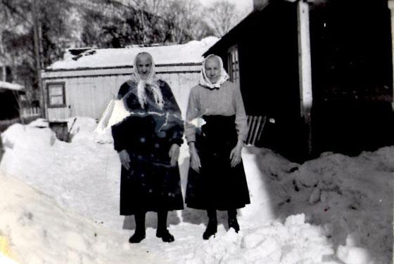 Oline Jostuen (t.v.) og Marit Bekkemellem, mor og datter.