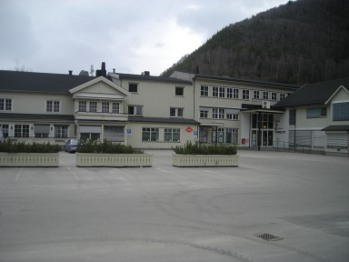 Grand-bygget  på Otta