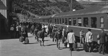Otta stasjon, trolig i 1970-Ã¥rene. Foto: ukjent