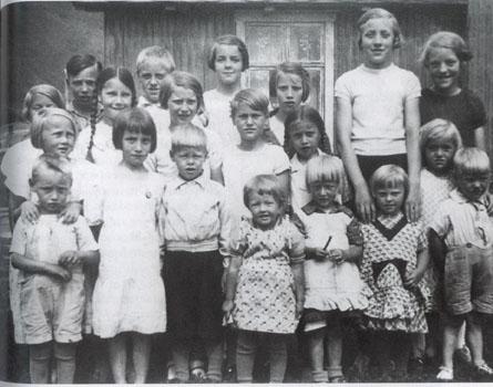 Dette er et bilde av alle ungene påOttheim.