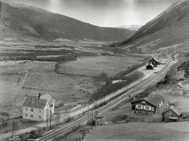 Jernbanestasjon og hotel på Nord-Sel i 1915.