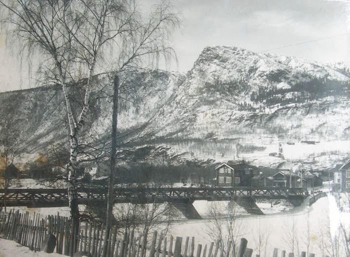 Turmo ved Loftsgårdsbrua på Otta