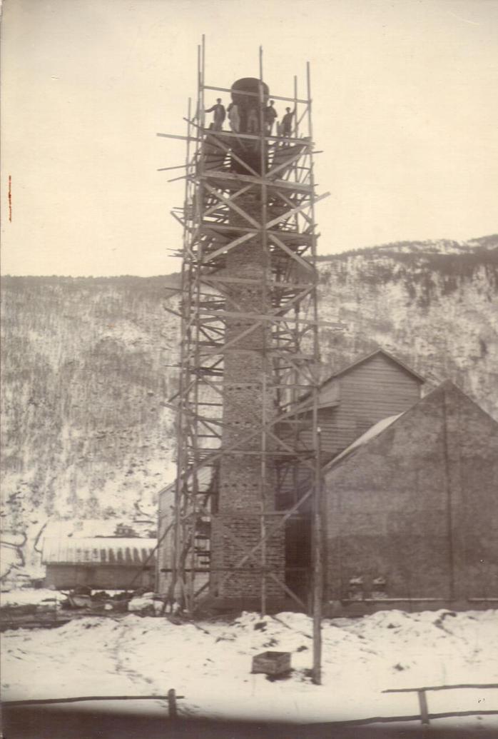 Ysteripipa på Otta under bygging rund 1925.